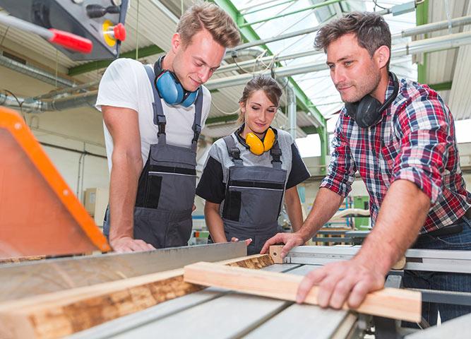 Über uns Ausbildung und Karriere bei Holz-Hauff
