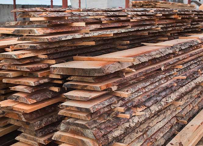 Blockware im Lager von Holz-Hauff in Leingarten