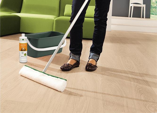 Bodenpflege Wischer von Clean-green bei Holz-Hauff in Leingarten