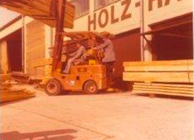 Erster Frontstapler in der Geschichte von Holz-Hauff in Leingarten