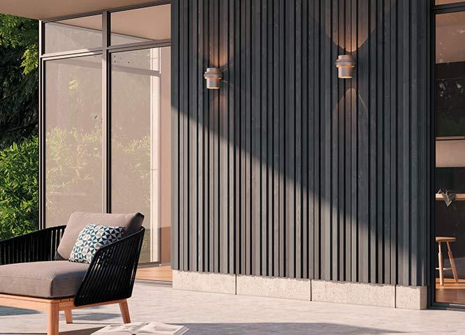 Moderne Fassade in dunklem Holz von Holz-Hauff in Leingarten
