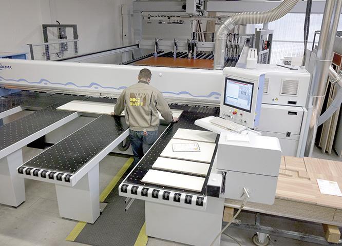 Bearbeitungszentrum bei Holz-Hauff in Leingarten für Handwerker