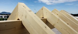 Konstruktionsvollholz für das Dach von Holz-Hauff in Leingarten