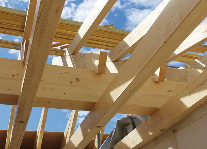 Konstruktionsvollholz für den Giebel von Holz-Hauff