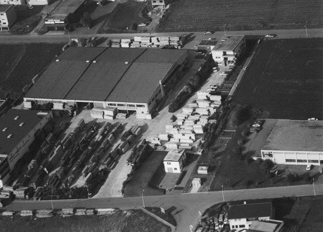 Geschichte von Holz-Hauff in Leingarten mit Luftaufnahme 1982