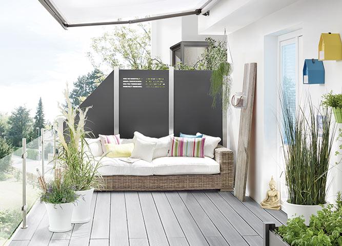 Sichtschutzzäune aus Metall im Garten von Holz-Hauff in Leingarten