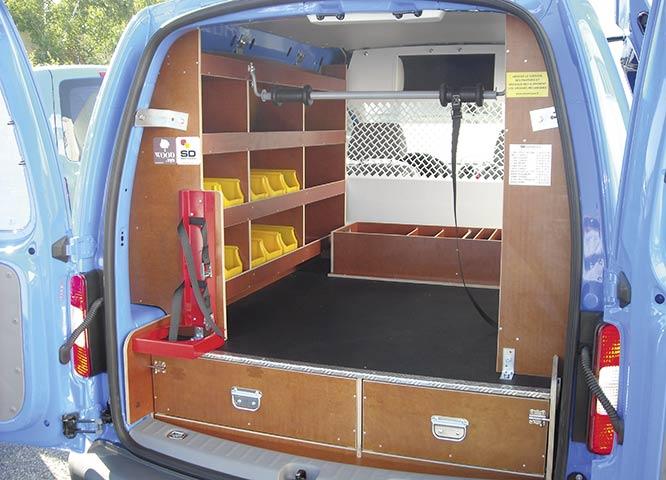 Siebdruckplatten und Schaltafeln im Auto von Holz-Hauff
