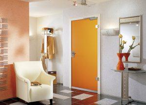 Wohnungseingangstüren orange bei Holz-Hauff in Leingarten