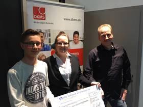 Spendenübergabe an die DKMS von Holz-Hauff in Leingarten