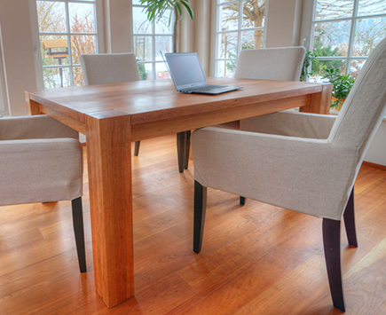 Referenzen zu Massivholz Esstisch von Holz-Hauff in Leingarten