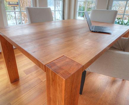 Referenzen zu Esstisch aus Massivholz von Holz-Hauff in Leingarten