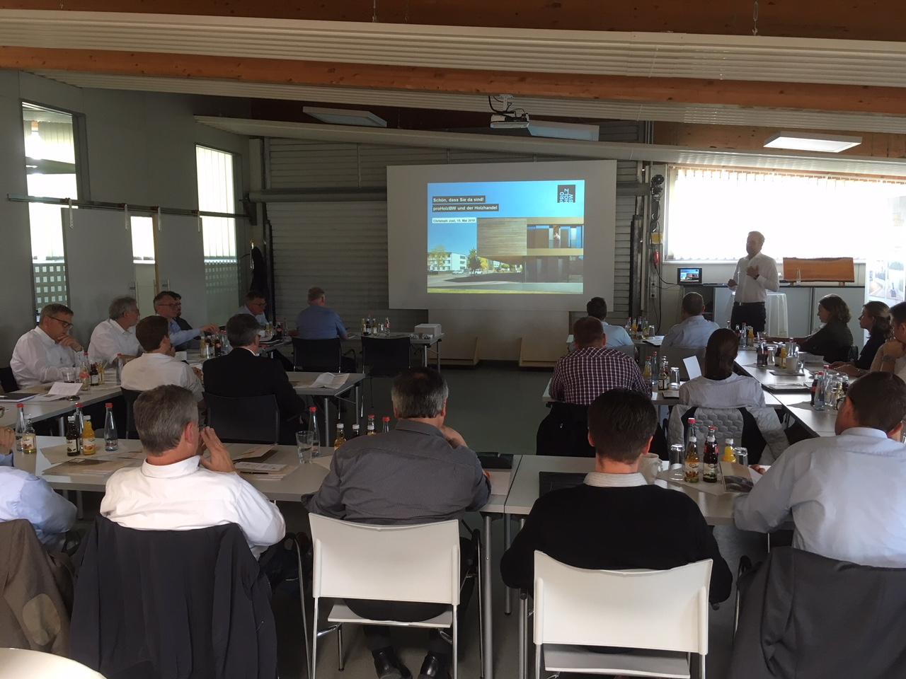 Regionalversammlung im Holzfachmarkt der Holz-Hauff GmbH