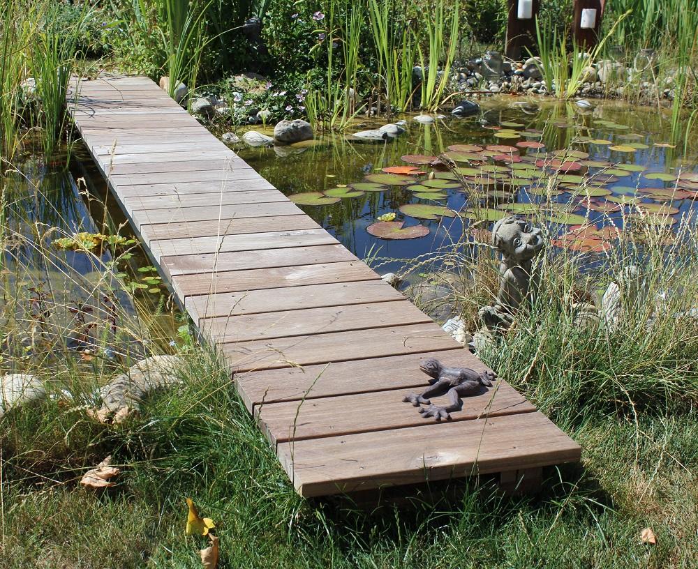 Gartenbrücke / Steg aus Guyana Teak Stauseeholz