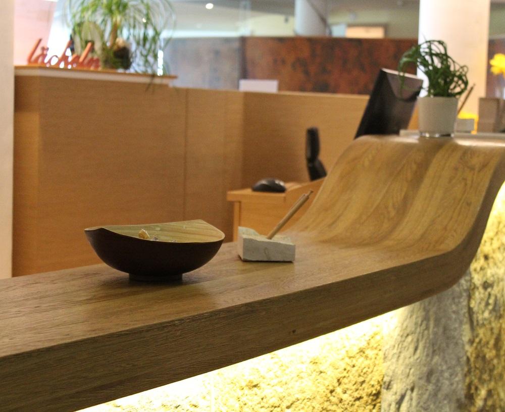 Theke aus furnierter Eiche Platte Mawell Resort Langenburg