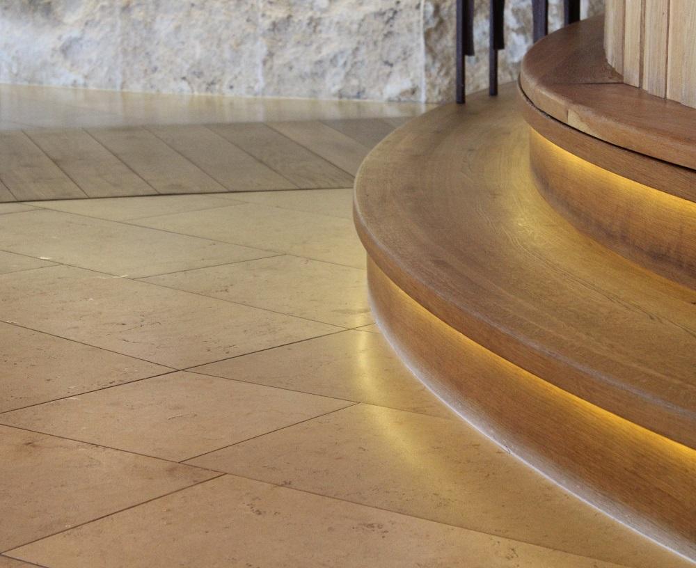 Treppenstufen aus Eiche Blockware Mawell Resort Langenburg