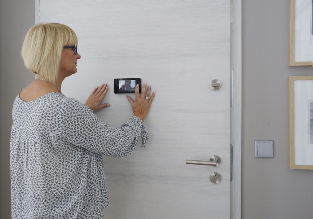 Einbruchschutz durch die sichere Haustür bei Holz-Hauff in Leingarten