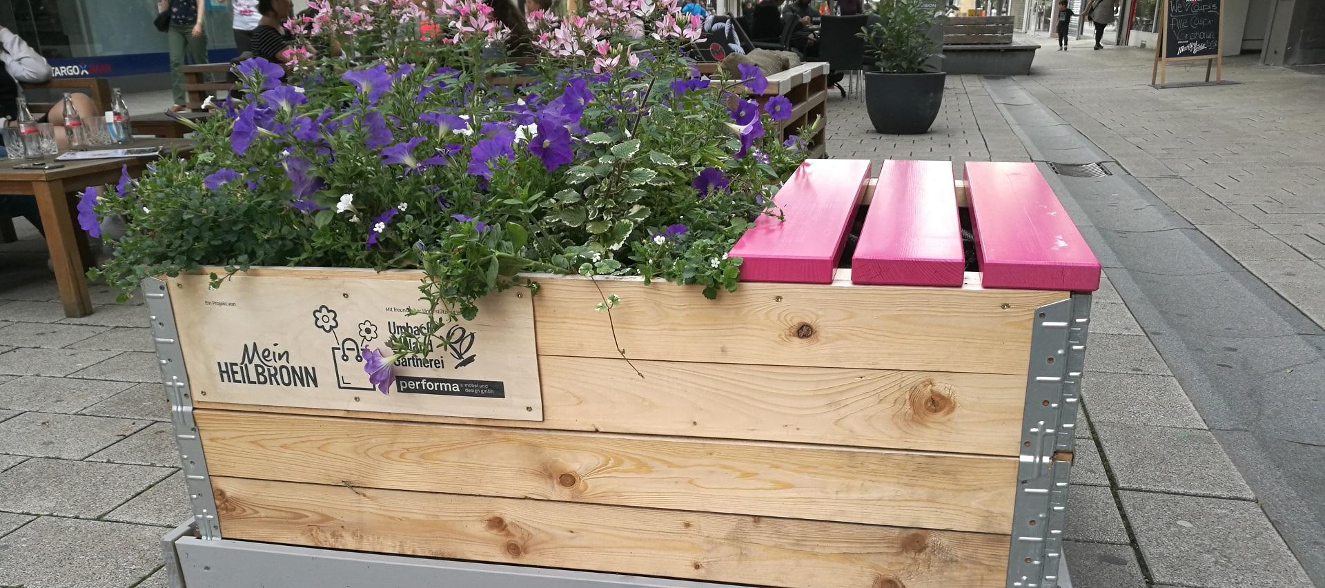Sitzbänke aus Fichte Brettern gehobelt von Holz-Hauff GmbH in Leingarten