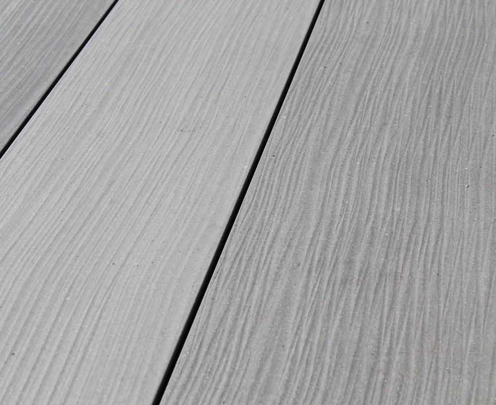 Terrasse aus Megawood WPC Dielen Tonka bei Holz-Hauff GmbH in Leingarten