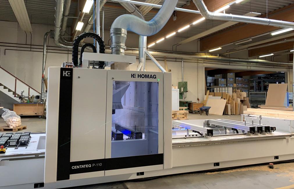 CNC-Maschine in der Holzbearbeitung von Holz Hauff in Leingarten.