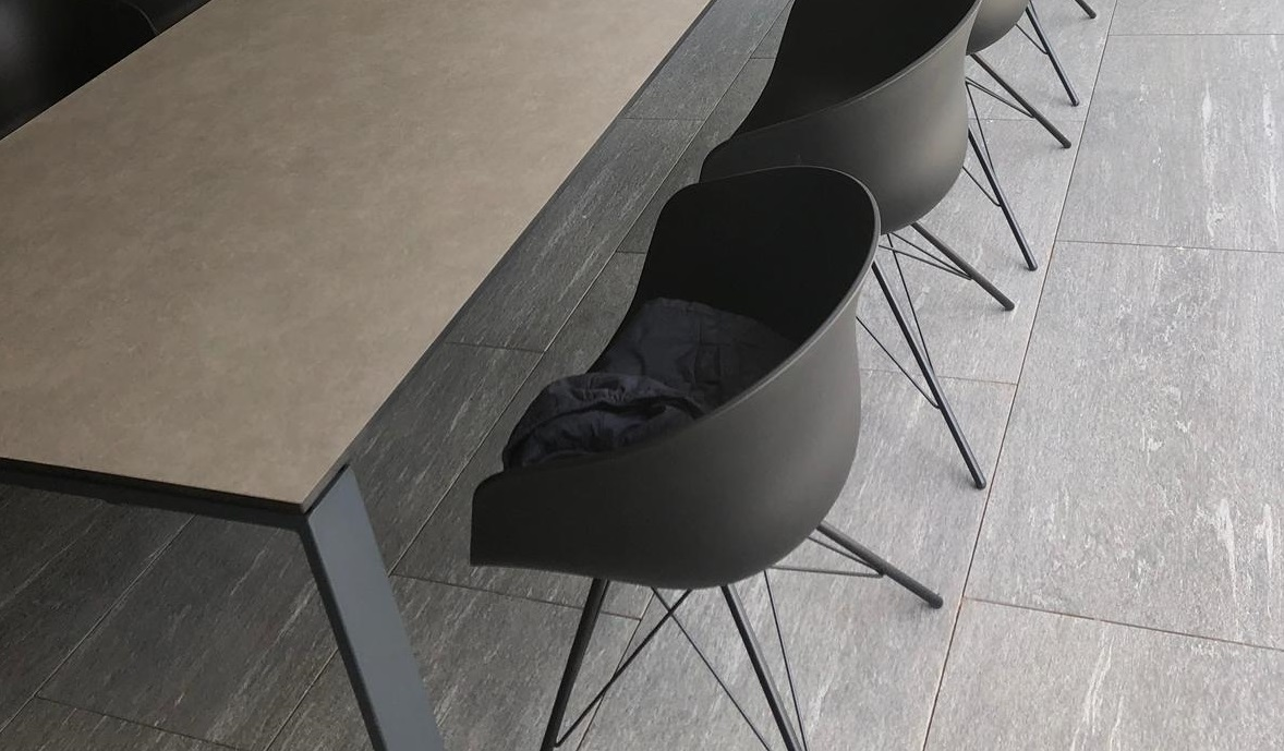 Tisch aus Trepsa Platten bei Holz-Hauff GmbH in Leingarten