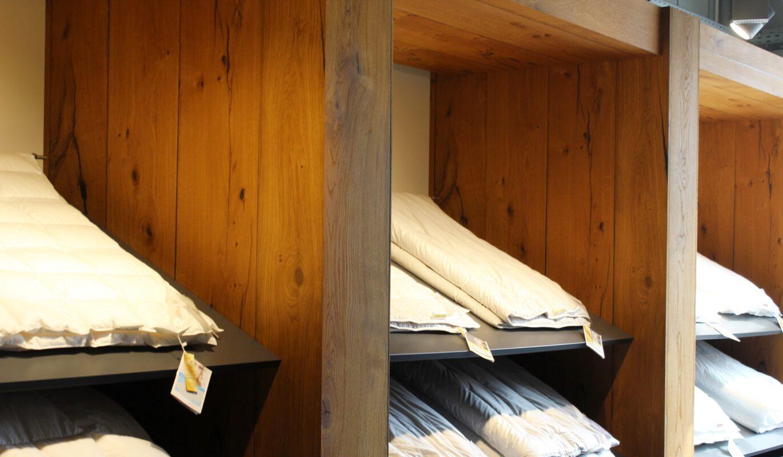 Verkaufsregal aus Altholz Leeuwenburgh | bei Holz-Hauff GmbH in Leingarten