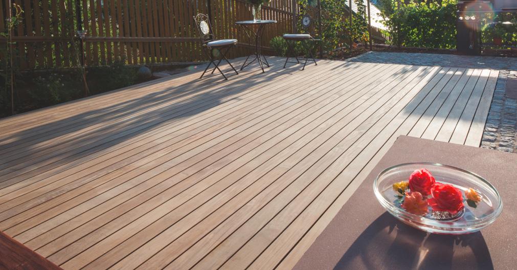 Terrasse aus Thermokiefer mit TuttoDuo-Connectoren | Holz-Hauff in Leingarten