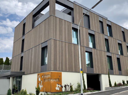 Fassadenverkleidung aus Tanne | bei Holz-Hauff GmbH in Leingarten