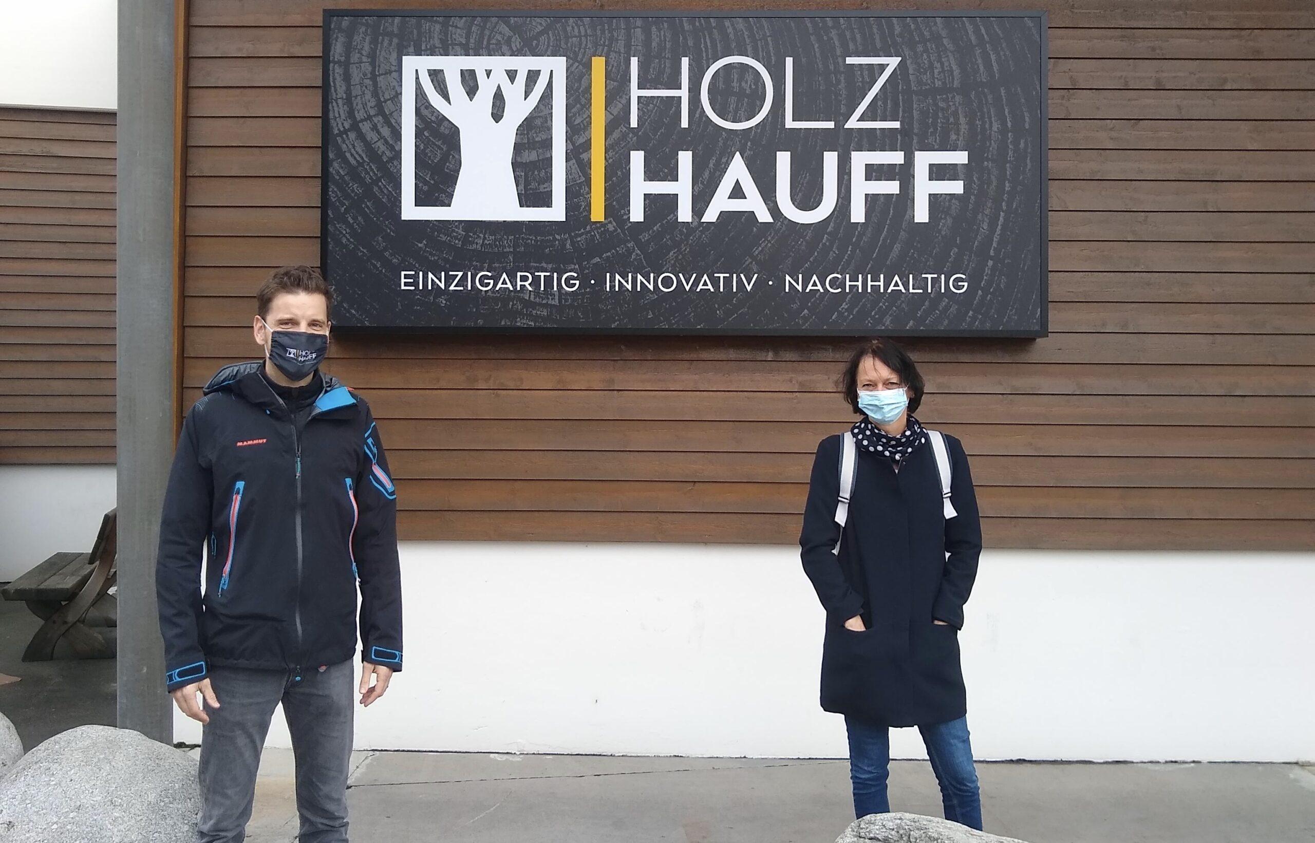 Bauen und Wohnen mit Susanne Bay (rechts) | bei Holz-Hauff GmbH in Leingarten