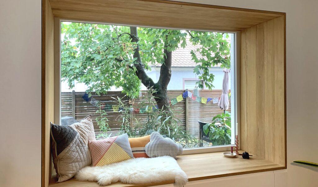 Sitzfenster aus 26mm Euro Eiche Leimholzplatten bei Holz-Hauff GmbH in Leingarten