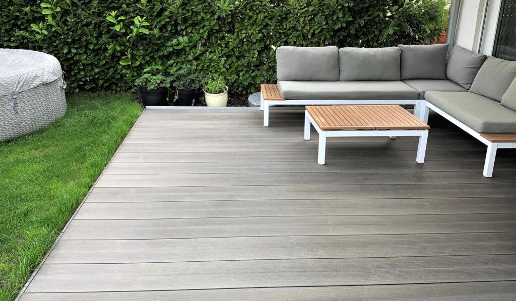 Terrassenbelag aus Megawood® Signum Jumbo | bei Holz-Hauff GmbH in Leingarten